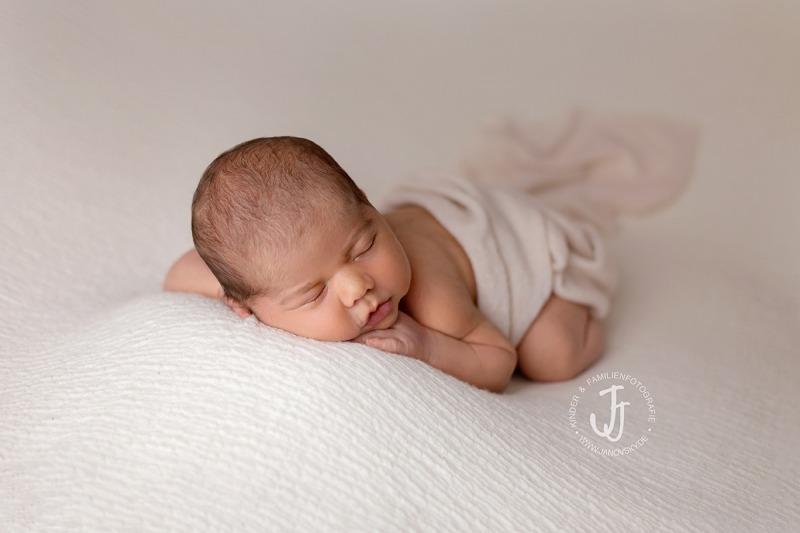 neugeborene-fotoshooting-in-kassel
